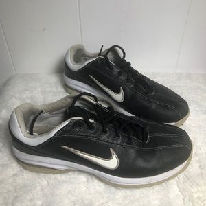 Mens Cleated Sport Shoes. Size 9. NIKE